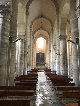 The Beautiful Light Interior of Saint-Hilaire - Photo de Eglise ...