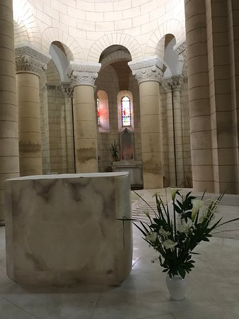 Interior of Saint-Hilaire R. C. Church Melle - Picture of Eglise ...