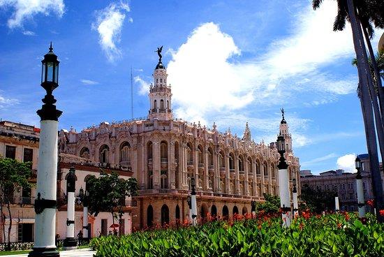 Gran Teatro de La Habana: Façade du theatre vu du Capitole