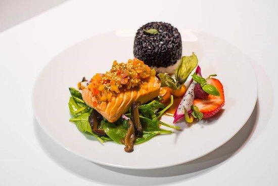 Sumo Sushi: Salmon Steak with Avocado&Mango Salsa