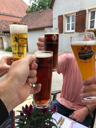 Zur Holl - Mittelalterliche Trinkstube照片