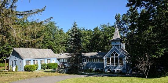 Carmel Cove Inn at Deep Creek Lake: Property