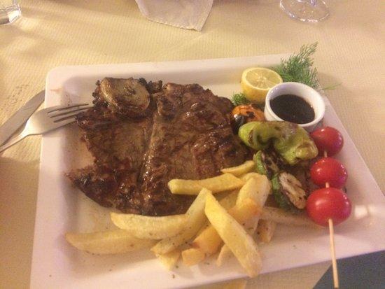 Mamma's Taverna: Steak Mmmmmm