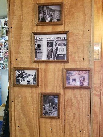 Royal, AR: Photos of the original store