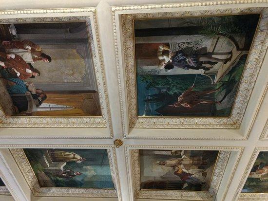 Hotel dei Macchiaioli: detalle techo comedor