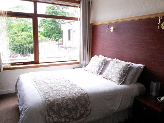Royal Hotel: Bett