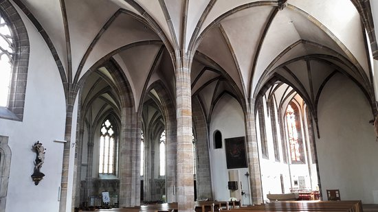 Stadtpfarrkirche St. Marien: Interior. Chapel in the background.