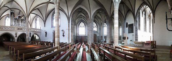 Stadtpfarrkirche St. Marien: Overview of the interior. Entrance left, altar right.