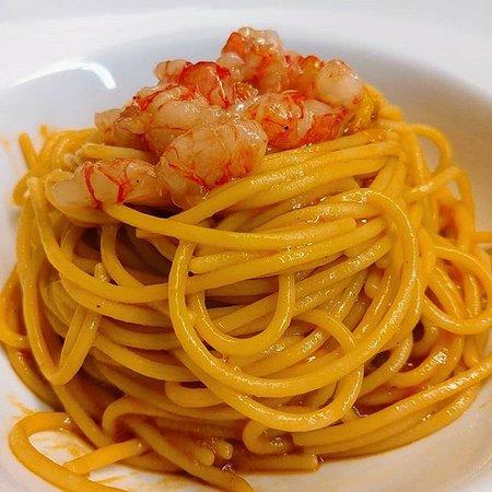 Spaghetti Gluten Free with raw ' Mazara' Shrimp tartare and Coriander