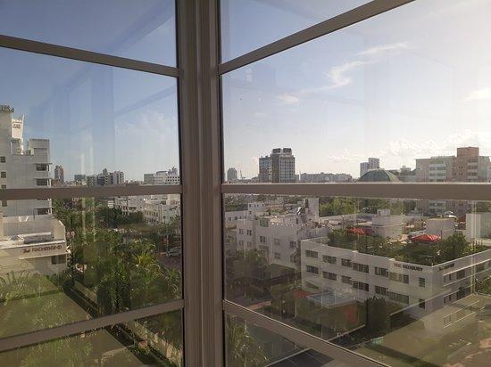 Shelborne South Beach: City view from corner room