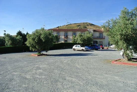 El Hotel Villa Nazules: Parkplatz