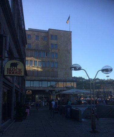 Block House Arnulf-Klett-Square照片