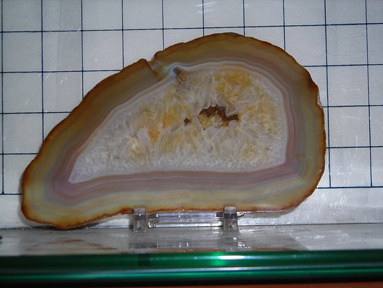 Au Train, MI: Agates from Lake Superior and many other locations