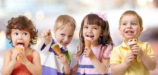 B&B Bourgeoisie heeft een ruim assortiment heerlijke 'OLA' ijsjes... Zowel voor passerende wande