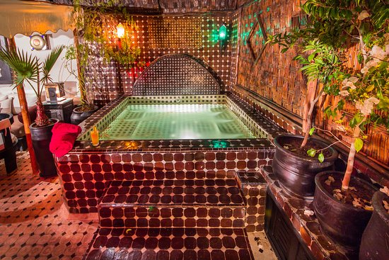 Riad Dar Najat: Unique! Riad with a heated jacuzzi on the Roof Terrace.