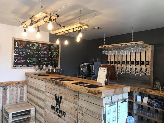 Lossiemouth, UK: Beer, coffee, hot chocolate and freshly made home bakes, our Tap Room has something for everyone