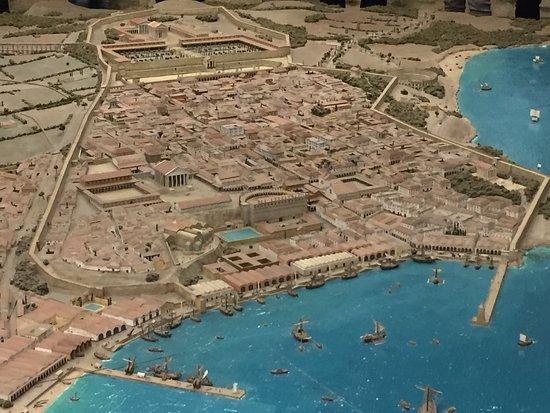Passeig Arqueològic : Maqueta de la antigua Tarraco