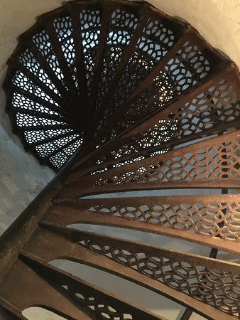 Baileys Harbor, WI: Looking up the lighthouse staircase