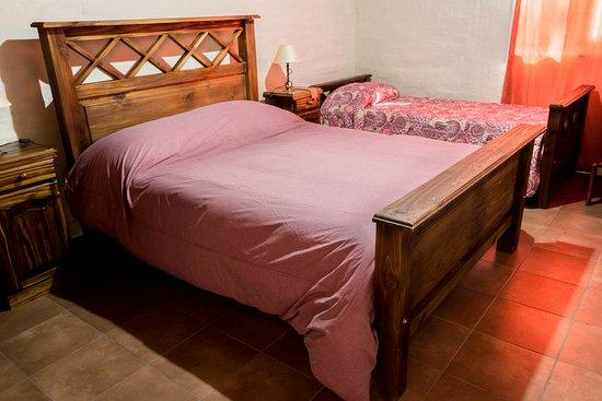 Cabanas El Remanso: Habitaciones con 1 cama doble y 1 cama de 1 plaza
