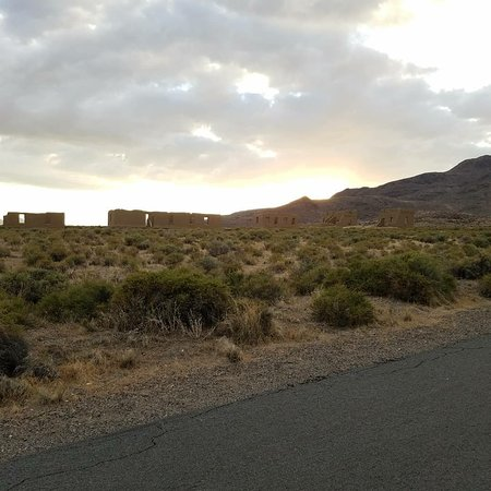 Silver Springs, NV: Great shot of the Fort with the sunset behind it.