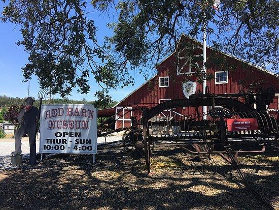 San Andreas, CA: Red Barn Museum
