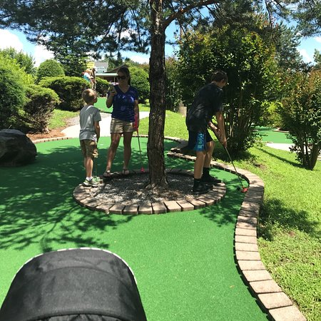 Bear Creek Adventures Mini Golf and Gem Mining照片