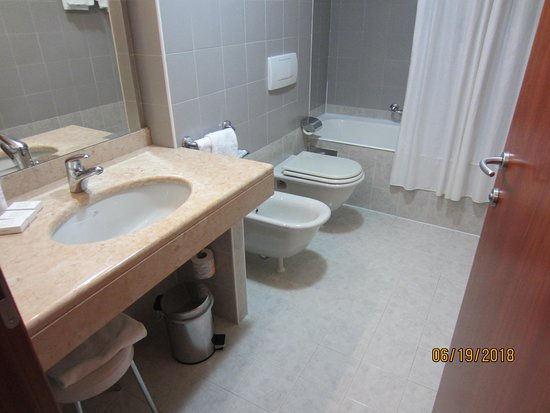 Best Western Hotel Cavalieri Della Corona: Bathroom