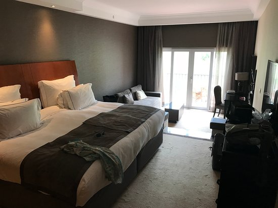 鹏哈龙格度假酒店照片