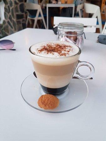 Treat Cafe Bar: Caramel cappucino