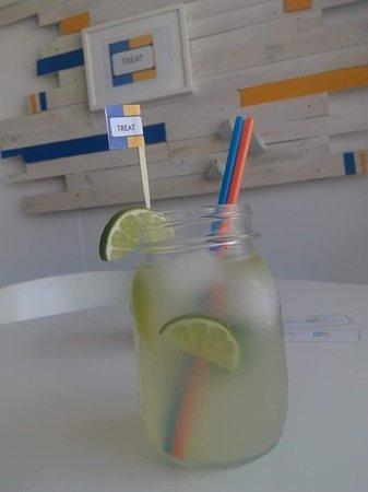 Treat Cafe Bar: Fresh lemonade