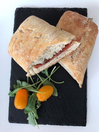 Treat Cafe Bar: Panini
