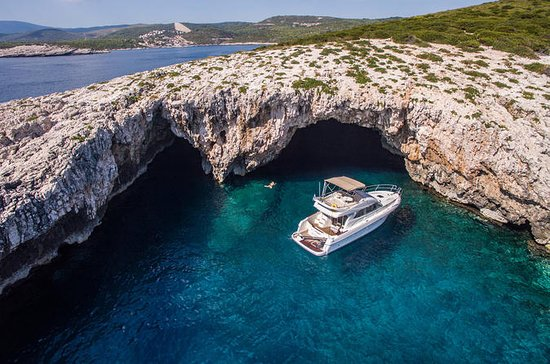 Hvar, Green Cave & Brac - Yacht Day...