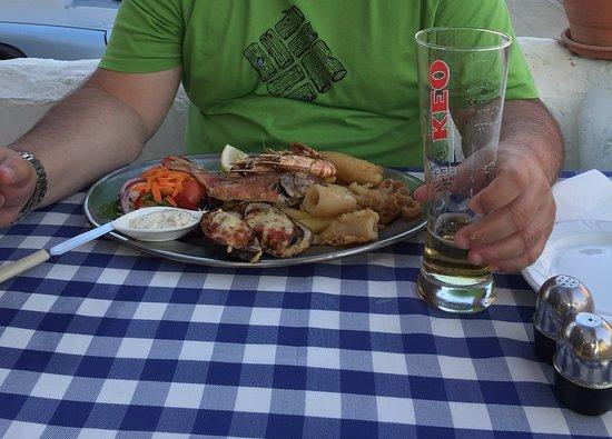 Ifalos Taverna: Тарелка рыбака.