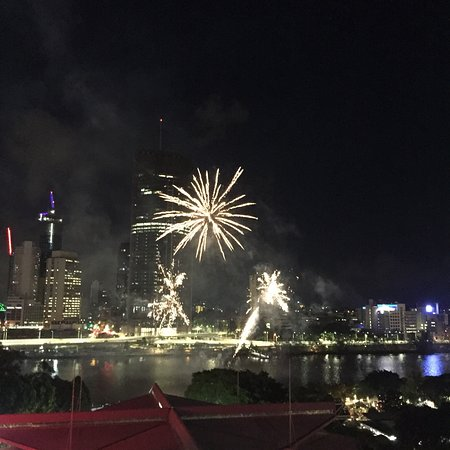 Rydges South Bank Brisbane: View of the fireworks from our king suite balcony