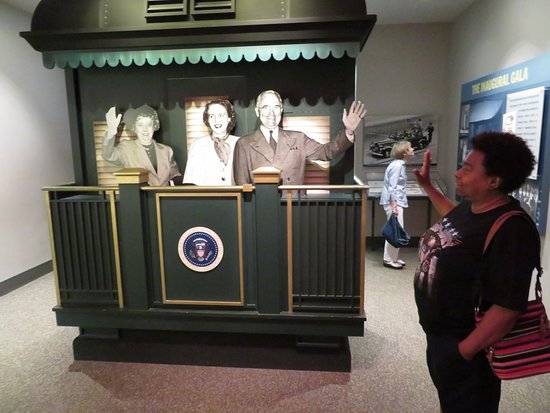 Harry S. Truman Library and Museum: Harry's Farewell Train