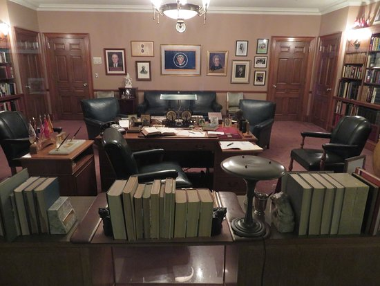 Harry S. Truman Library and Museum: The Former President's Office
