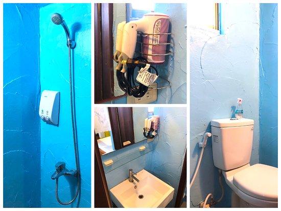 Bayhouse Hostel Penghu: Female Dorm 女生背包房的房內衛浴間