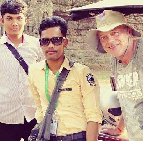 Le Guide Siem Reap: Bonjour Mesdames, Mesdemoiselles et Messieurs, je m'appelle Chou.💌💌    👉Je suis guide francop