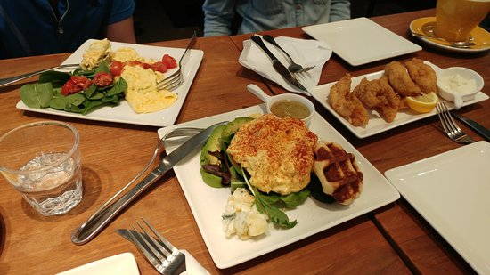 Waffling Beans: Amazing brunch dishes :)