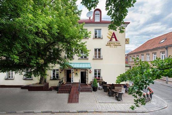 Amberton Cozy Hotel Kaunas: Kaunas hotel eksterior