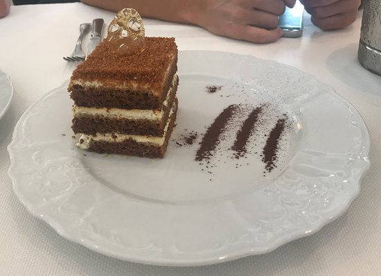 Grand Cafe Dr. Zhivago: Honey Cake
