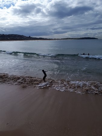 Dee Why, Australia: SURFING
