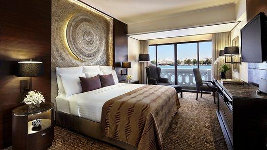 Anantara Riverside Bangkok Resort: Anantara River Front Suite