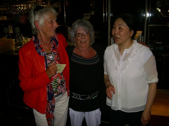 My Friend Marleen Me In The Middle And The Lovely Owner Zhibigo Picture Of Nieuw China Garden Vlissingen Tripadvisor