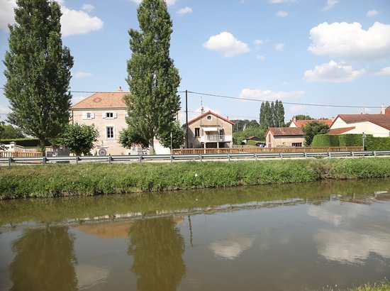 Domaine Charbonnaud-Bourgogne