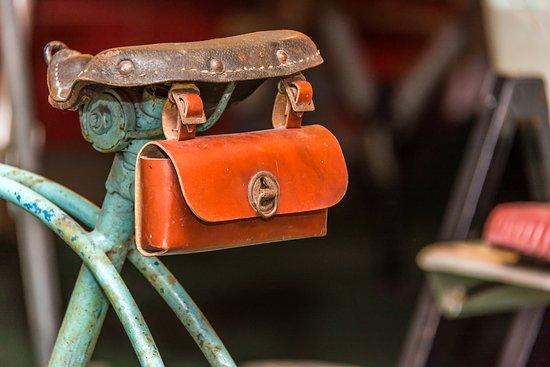 Perm Car Museum Retro Garage: Карман на велосипеде