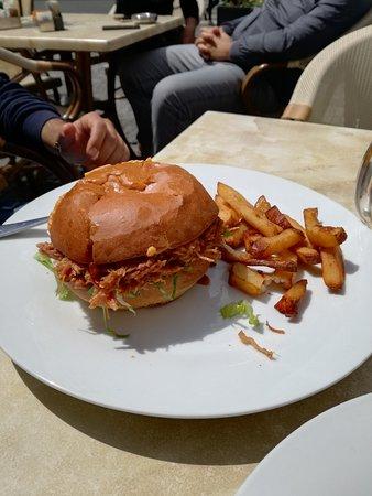 Meet Burger : Panino con ripieno di stinco di maiale