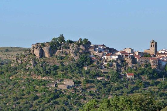 Vista de Fermoselle desde El Penao: fotografía de Hostal Arribes ...