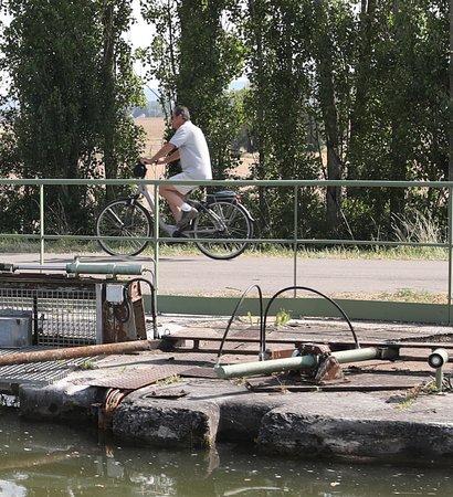 Canal du Centre: Entre RULLY et FONTAINES : L'écluse