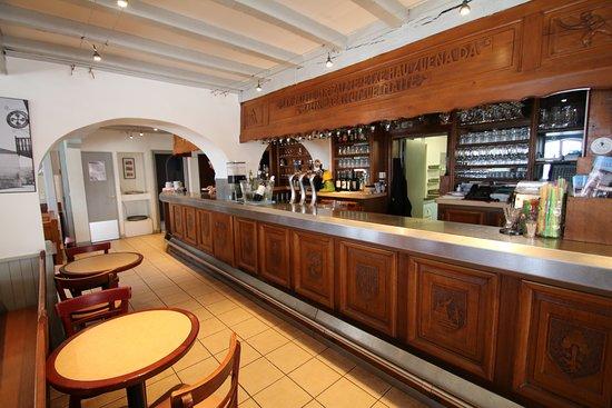 Elissaldia: photo du bar et comptoir